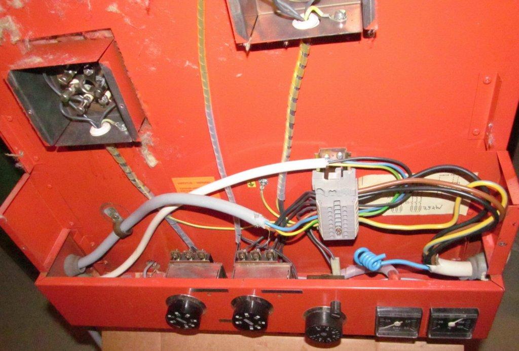 kattilan sähkökytkennät.jpg